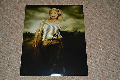 LAURIE HOLDEN signed Autogramm 20x25 cm In Person WALKING DEAD Andrea