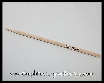 GFA Red Hot Chili Peppers * CHAD SMITH * Signed NEW Drumstick AD2 COA