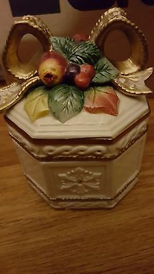 Fitz And Floyd Covered Christmas Gift Trinket Box