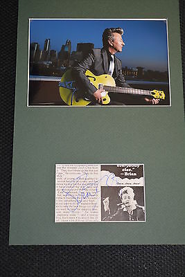 BRIAN SETZER signed Autogramm In Person 20x30 Passepartout STRAY CATS