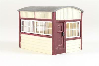 Hornby Skaledale R9786 Small Signal Box - Ready to Use - Boxed - OO Gauge