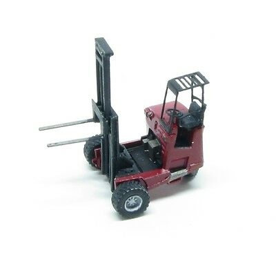N Scale Truck-Mounted Donkey Forklift Kit by Showcase Miniatures (85)