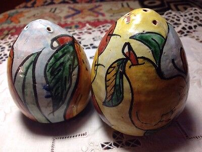 Very old nicely painted Mexican Salt and Pepper Set Vintage Collectible CERAMIC
