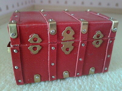 Dolls House Miniatures 1/12 Scale Accessory Red & Brass Effect Chest/Trunk D1732