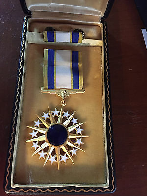 US  Air Force Distinguished service Medal In Presentation Case With  Ribbon