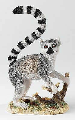 Country Artists Natural World Solitary Lemur Figurine Ornament 14cm CA03531