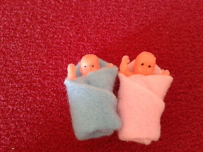 Dolls House Miniatures 1/12th Scale Accessory D396 Pack of Two Babies New