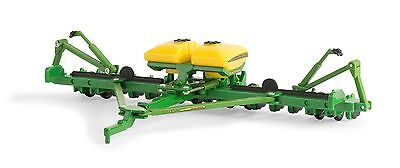 1/64 Ertl John Deere 1775Nt 16 Row Corn Planter