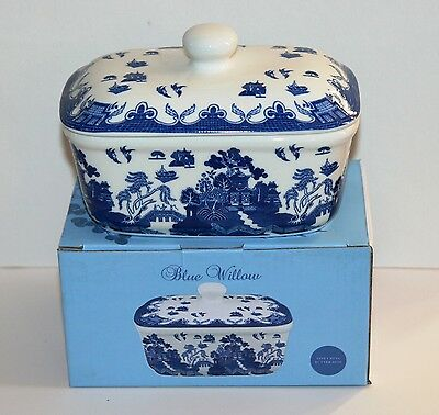 Blue Willow Design BUTTER DISH Fine China *NEW* Boxed
