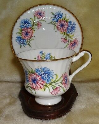 Paragon Fine Bone China By Appointment To Her Majesty The Queen Cup & Saucer