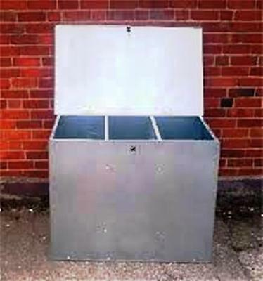 Galvanised Feed Bin With Three Compartments. Horse Chicken Dog Cat,storage