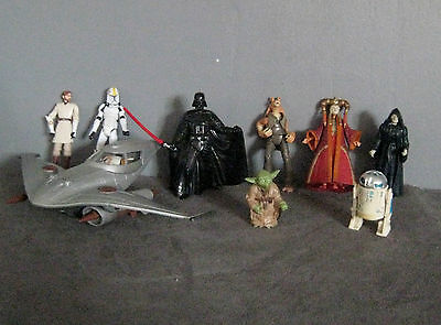 lot figurines vaisseau  Star Wars /Dark Darth Vador/Stormtrooper/Yoda/Amidala