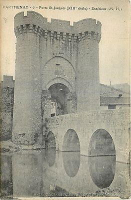 79 PARTHENAY porte st jacques