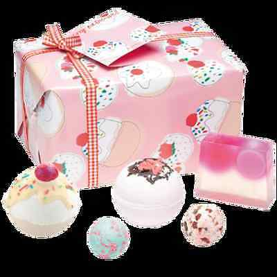Bomb Cosmetics Cherry Bathe-well Gift Set