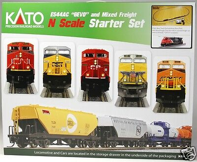 Kato N GE ES44AC GEVO and Mixed Freight Starter Set, Canadian National 106-0020