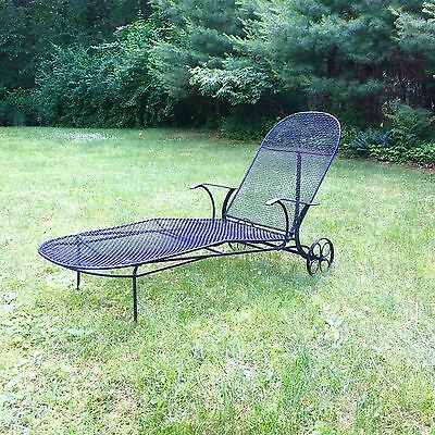 Woodard Sculptura Wrought Iron Chaise Lounge MCM Palm Springs Cabana Pool Modern