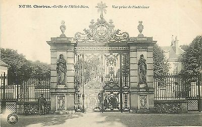 28 Chartres Grille Hotel Dieu