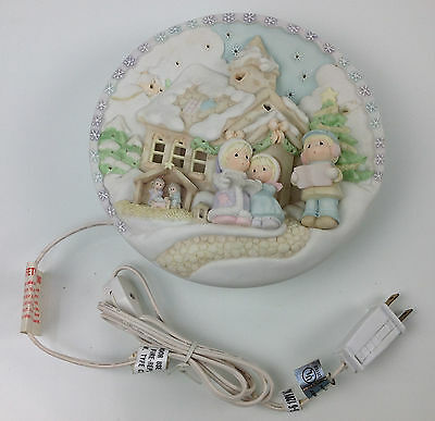 """Precious Moments """"sugar Town"""" 3D Relief Lighted Plate"""