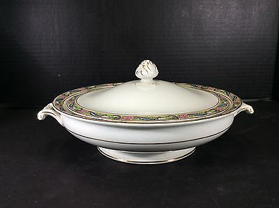 Beautiful Vintage Johnson Brothers England Covered Casserole Dish