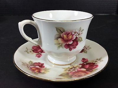 Beautiful Vintage Queen Anne Fine English Bone China Cup & Saucer Set