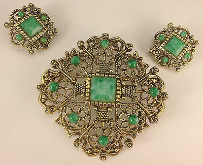 1960's Green Jade Thermoset Plastic Brooch & Clip Earring Set EB-146A
