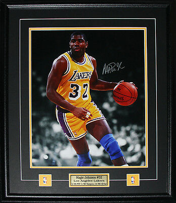 Magic Johnson Los Angeles Lakers signed 16x20 frame