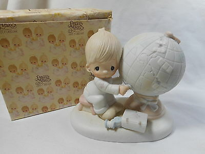Precious Moments Figurine   Jesus is the Answer    Boy Patching World    E 1381