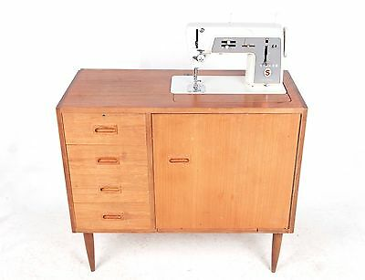 Retro Vintage Singer Sewing Machine Teak Model 611 1970s