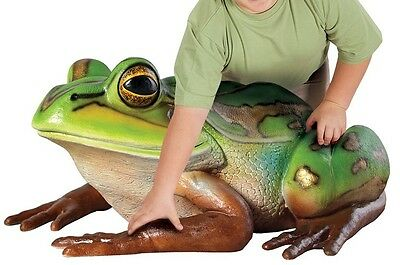 Hyla Rare Species Giant Larger Than Life Tree Frog Sculpture