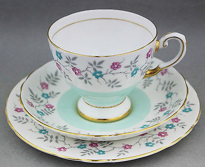 Vintage TUSCAN Trio c. 1950s Shabby High Tea English China Blue Floral D2117