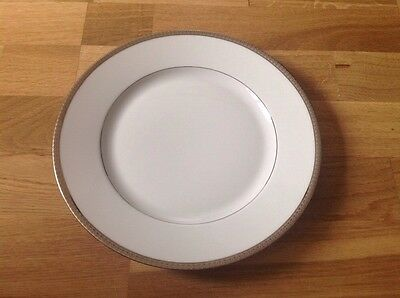 1 Dinner Plate 10.25 Inches in Diameter by Haviland Limoges Symphonie.