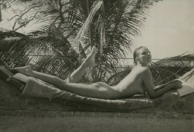 "JOAN COLLINS - 12"" x 8"" b/w Photograph On Holiday in Barbados Late 1970's  #1138"