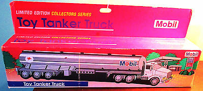 Mobil Toy Tanker Truck Limited Edition Collector's Series 1993 - Lights & Sounds
