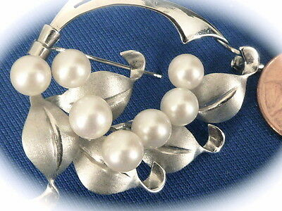 Estate Jewelry Sterling silver saltwater round fine Akoya pearls pin brooch
