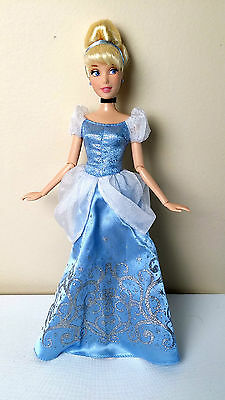 CINDERELLA- Disney Store- Authentic- Excellent! Loose- Jointed Arms- New Style