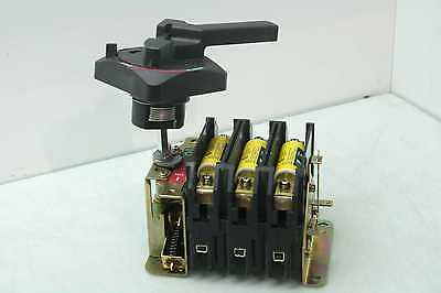 Allen-Bradley 194R-NJ100P34 Rotary Fused Disconnect Switch 600VAC/250VDC 100A 3P