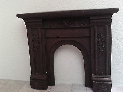 Dolls House 1:24th Scale Miniature Accessory Black Resin Fireplace 24/F023