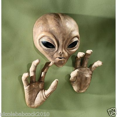 Roswell UFO Alien Scullptural Wall Ceiling area 151  OUTERSPACE VISITOR