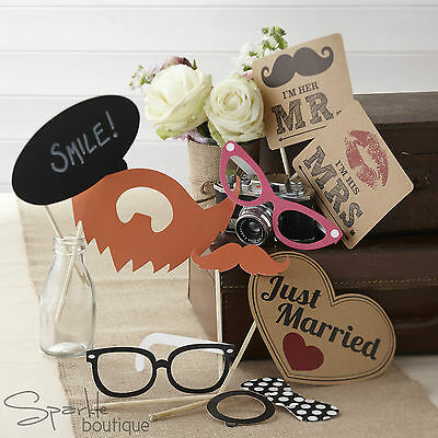 VINTAGE WEDDING PHOTO BOOTH PROPS - Selfie Kit - Just Married / Mr & Mrs Signs