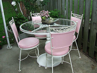 Vintage White Cast Iron Table and 4 Matching Chairs