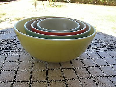 vintage set of 4 PYREX PRIMARY COLORS MIXING NESTING BOWLS yellow green red blue
