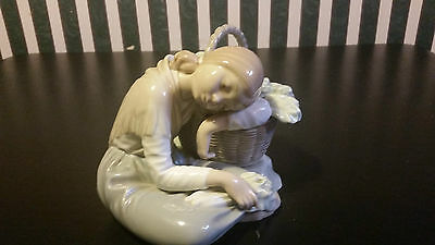 Lladro Lady With Flowers Sleeping Sitting