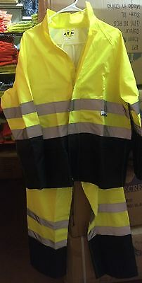 High Visibility Truecrest 2 Piece Safety RAINSUIT Lime/ Black Small- 4X