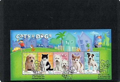 2004 Cats A Dogs Mini Sheet Fine Used