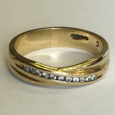 Lovely Solid 9ct Yellow & Diamond Gold Wedding Band Size N1/2 4mm