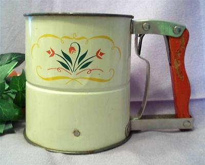 1950's ANDROCK Hand-i-Sift w/Red Wooden Handle Tulip Design