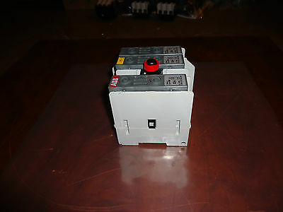 Abb  Disconnect Switch 600Volts / 30Amps  Cat # Os-30Faj12    Fuse