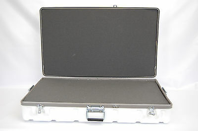 Parker Plastics TSW3722-10FF  White Case with Foam