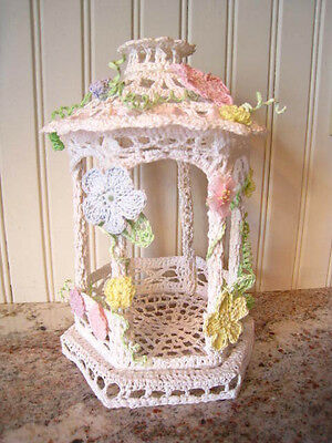 "Victorian Style Crocheted Gazebo - Doll House 9"" Nice!"