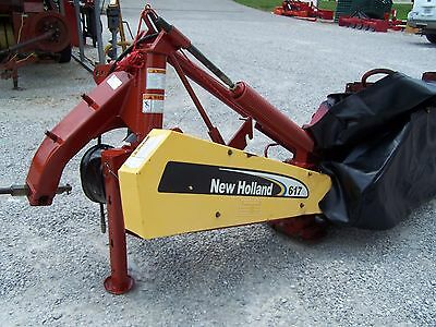 Later Model New Holland 617-- 9 Ft Disc Mower, Sharp, Can ship @ $1.85 per mile.